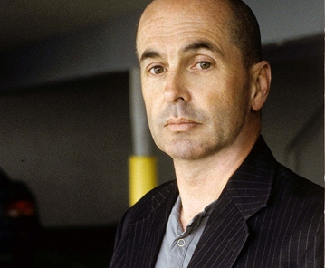 Don Winslow colour - cr Jerry Bauer.jpg